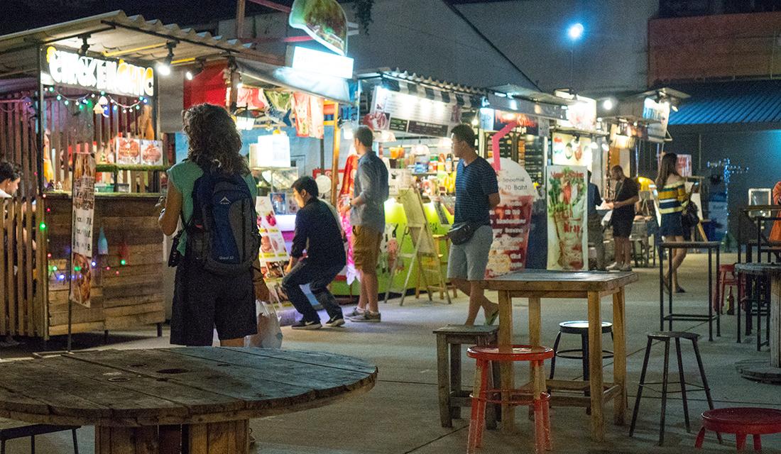 Ploen Ruedee Night Market - International Food Park